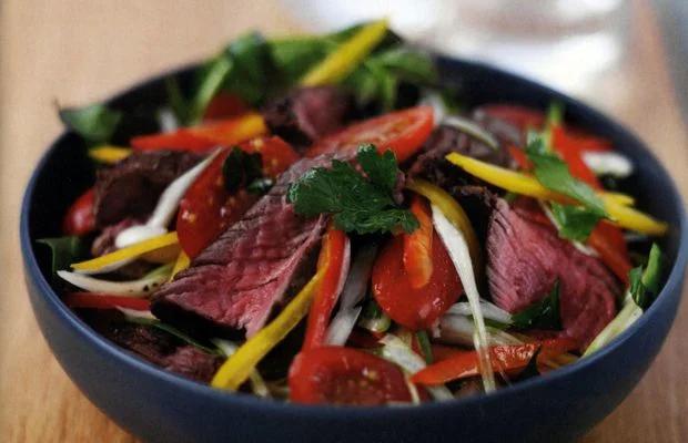 Салат с мясом грача и винегретом